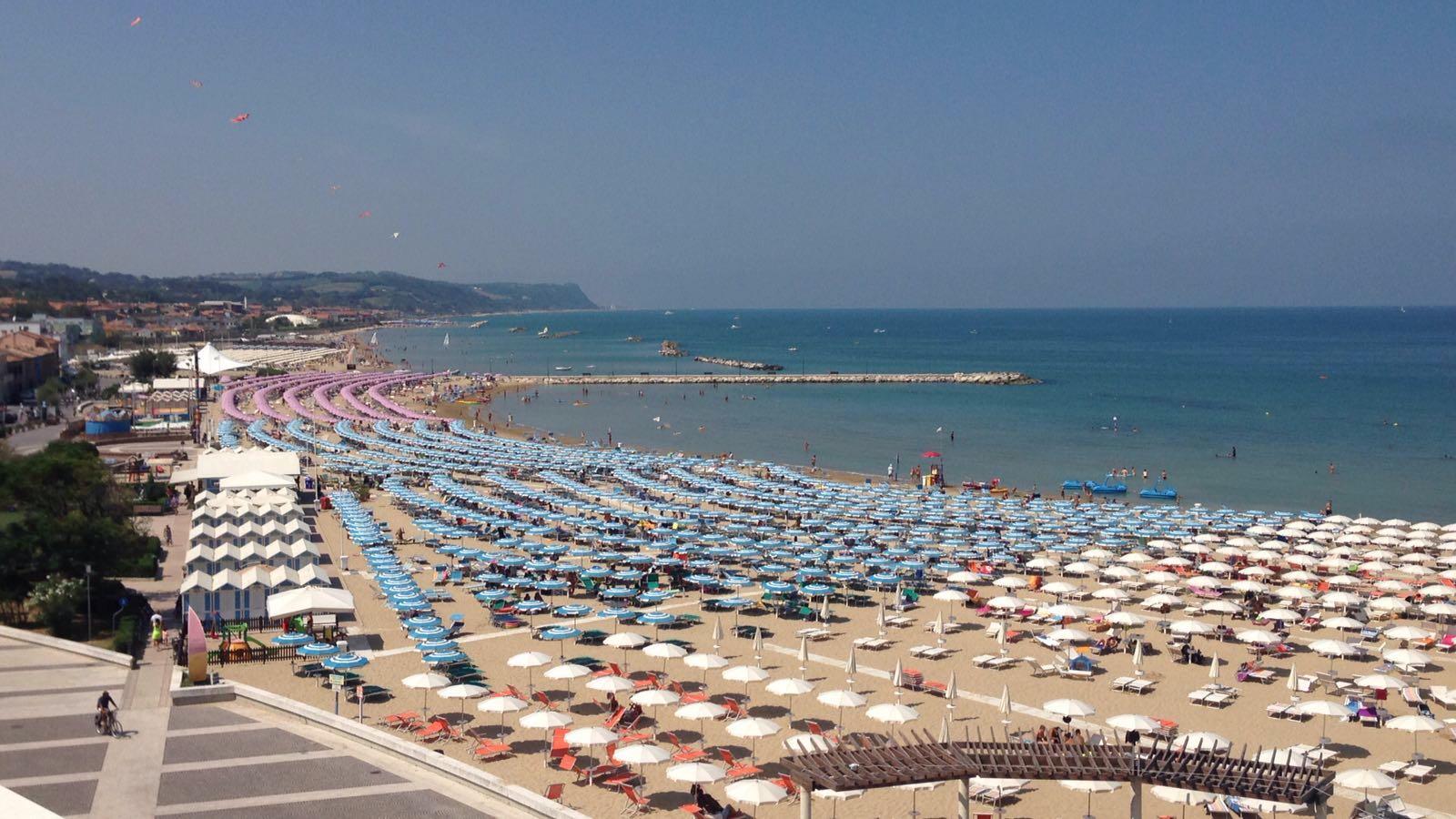 spiaggia lido fano